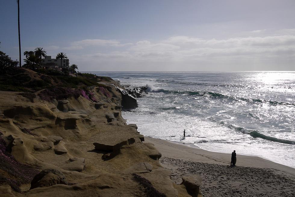 Волны и берег